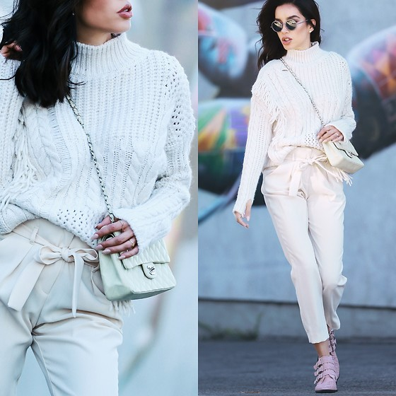 Claudia Salinas - River Island Turtleneck Knit, River Island White Pants, River Island Pink Triple Buckle Western Boots, Chanel Medium Flap Bag, Chanel Round Sunglasses - 12.6.17