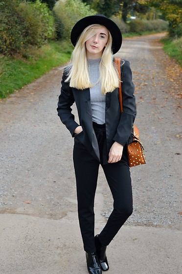 Isobel Thomas - Wearall Black Paperbag Trousers, H&M Black Blazer, Primark Grey Jumper, Moda Bags Valentino Dupe Bag, Public Desire Black Boots - Paperbag Trousers