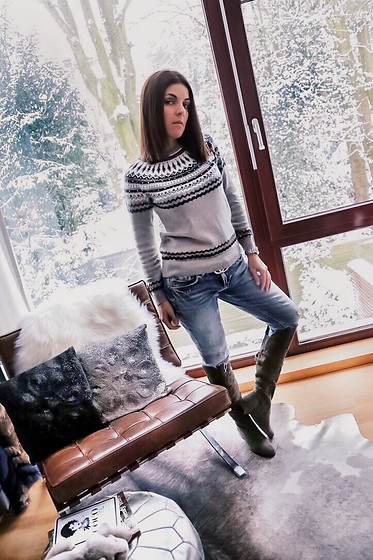Georgina Moreno -  - Winter look