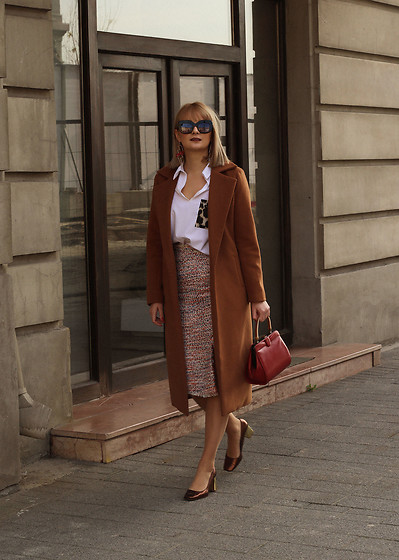 Ana Vukosavljevic - Zaful Coat, Zaful Blouse, H&M Skirt, H&M Earrings, Zara Shoes, Vintage Bag, Vintage Sunglasses - How To Wear Tweed And Look Chic At The Same Time?