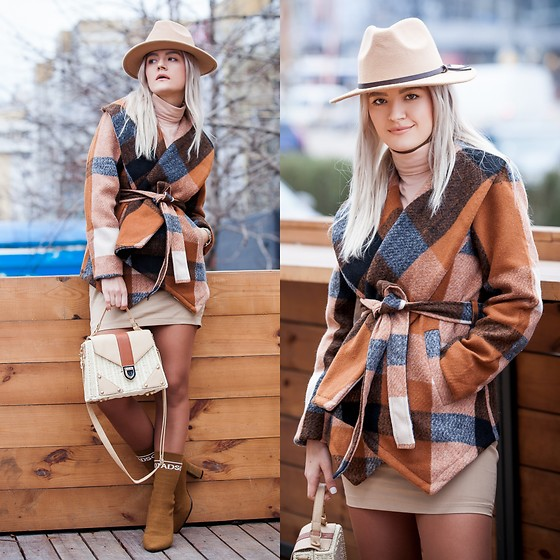 Cristina Tabun - Zaful Coat, Gamiss Shoes - Plaid Coat