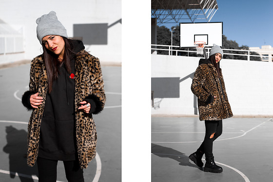Maray - Zaful Coat, Maray Alvarez Shop Sweatshirt, Zara Hat, Dresslily Boots - Manila & Animal Print