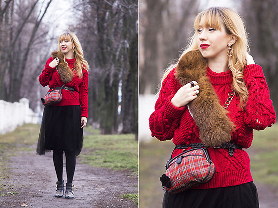 Julia F. - Zaful Rhinestone Faux Pearl Face Earrings, Zaful Sweater, Accessorize Bag, Vero Moda Skirt - Christmas is coming!