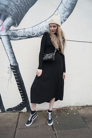 Carla V - Metisu Knitted Dress, Vans Sneakers, Acne Studios Beanie, H&M Bag - Sweet Disposition