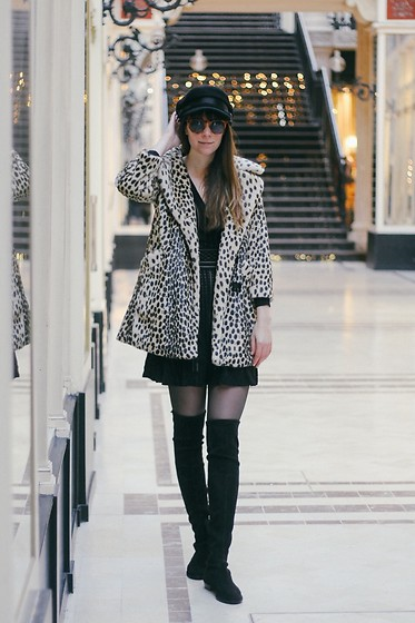 Danielle F - Topshop Leopard Coat, Skater Dress, Knee High Boots - Félin