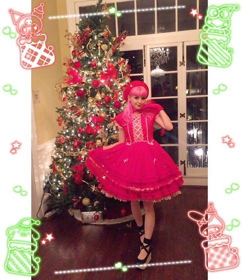 Lily P - Angelic Pretty Sugar Time Op In Red/Pink, Vintage/Thrifted Red Gloves, Vintage/Thrifted Red Beret, Bodyline Black Rockinghorse Shoes, Offbrand Sheer White Bunny Tights - Merry christmas babies !! 🎄❤️