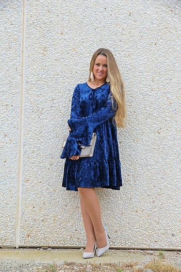 Emma MAS - Emma Loves Fashion Blue Velvet Dress - Blue velvet dress