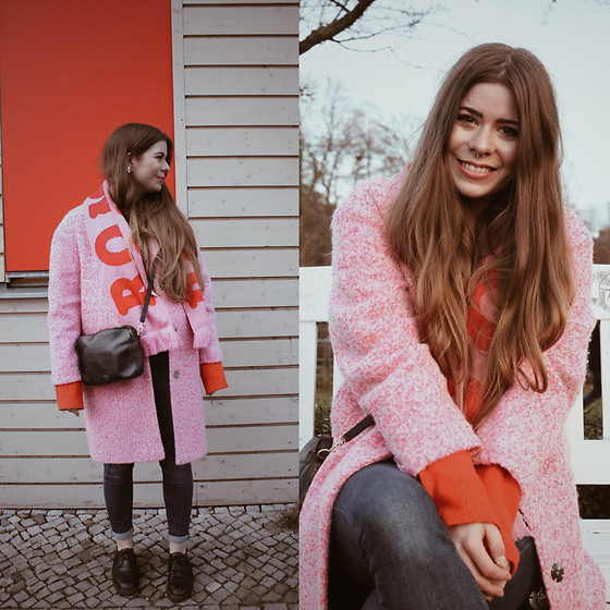 Elaine Hennings - Mint & Berry Scarf, Topshop Coat, &Other Stories Jumper, Topshop Jeans, Dr. Martens Shoes, Fossil Bag - Red and Pink together