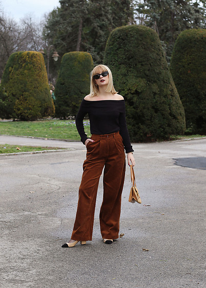 Ana Vukosavljevic - Vintage Blouse, H&M Pants, Shoes Of Prey, Lorbac Bag, Vintage Sunglasses - How To Wear Vintage Clothing?
