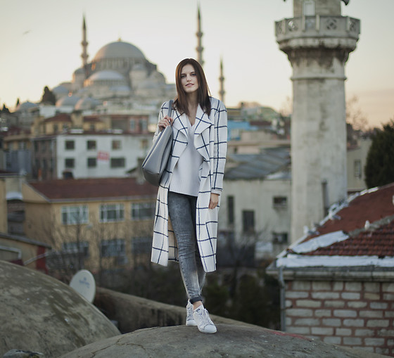 Viktoriya Sener - Shein Coat - ONE MORE SUNSET