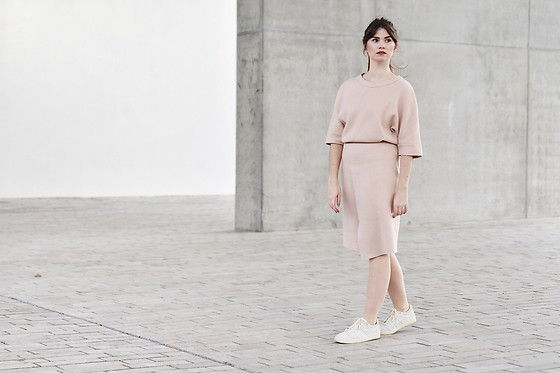 Sofie Rome - Cks Wool Top, Cks Wool Skirt, Onitsuka Tiger Chalk Sneakers - Cosy Champagne Co-ords