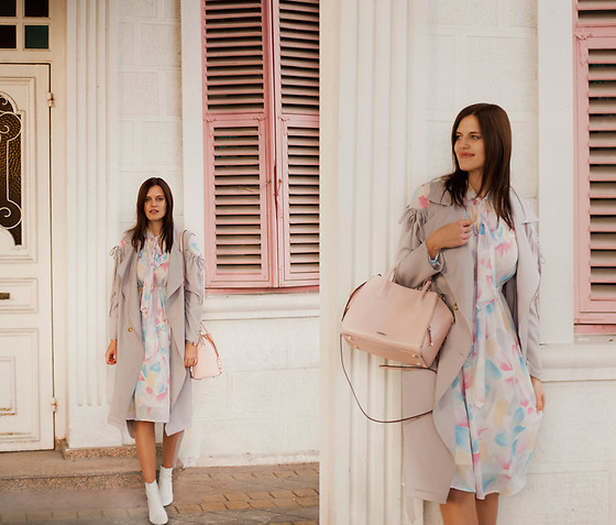 Viktoriya Sener - Romwe Grey Trench, Metisu Dress - PASTEL DAYS