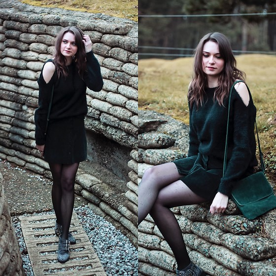 Audrey - Shein Sweater, Brandy Melville Usa Skirt, Pretty Wire Boots - Black & Green
