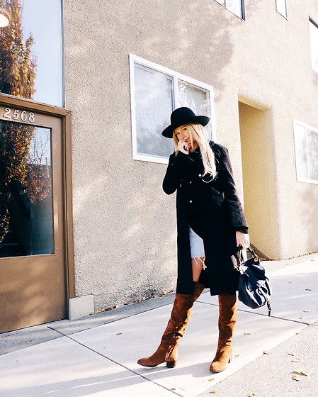 Carlle - Chloé Boots, Urban Outfitters Hat - Retro bowler and a duster