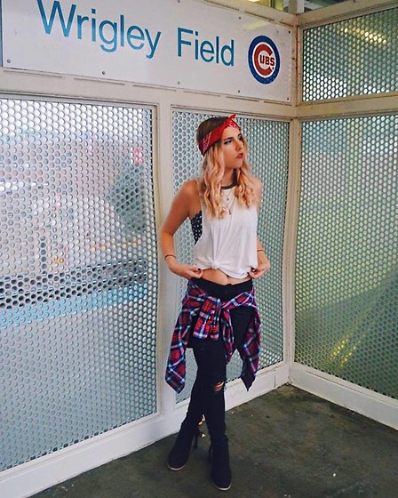Amelia Burns - Target Bandana, Urban Outfitters Tank Top, Nordstrom Bandu, Nordstrom Black Jeans, American Eagle Outfitters Flannel, Primark Booties - Sporty Spice