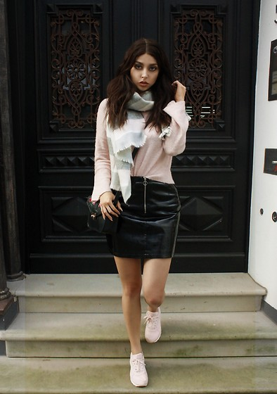 Sarah Lyx - Primark Scarf, Primark Leather Skirt, Primark Sneakers, Zara Sweater - All in Primark