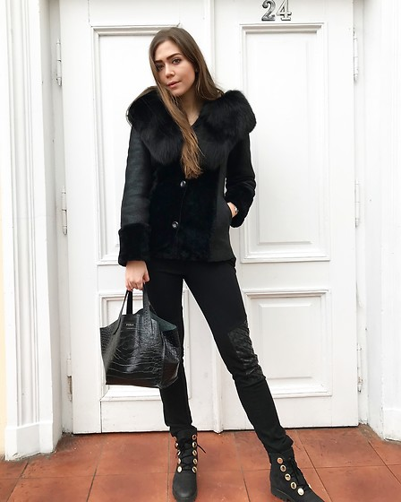 Marlena Laura @marlenalaura - Furla Bag - Winter