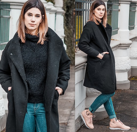Nina Wirths - Forever 21 Sweater, Zara Coat, Weekday Jeans, Reebok Shoes - Casual weekend outfit