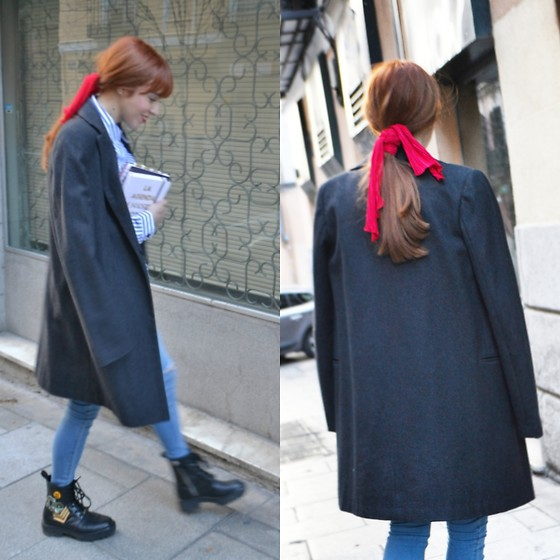 Mi Vida En Rojo - Mango Coat, Monki Scarf - Office outfit