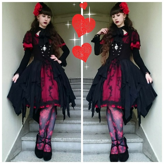 Yumi E.G. - Amastacia Tears Dress, Sheglit Orleans Overdress, H.Naoto Blood Tights - Vampire