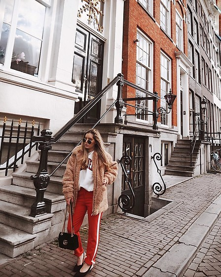 Fashiontwinstinct - Zalando Teddy Coat, Loavies Pants, Tommy Hilfiger Sweater - Teddy Coat in Amsterdam.