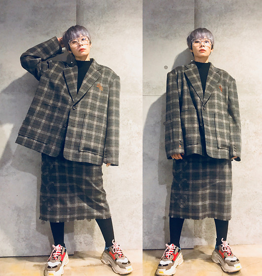 Joyce Chang -  - Oversize check suit