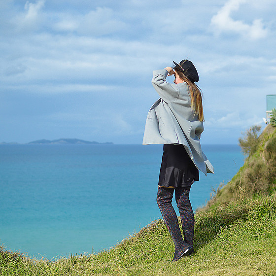 Tamara Bellis - H&M Coat, H&M Hat, Zara Boots, Oysho Dress - Loggas Beach