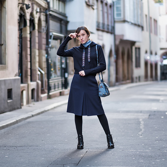 Liuba Kvitka - Mango Bag, Adajio Pullover, Zara Sweatshirt, Hugo Boss Skirt, Kiomi Shoes - Shades of blue and sparkling icicles ;-)