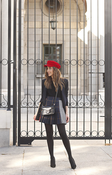 Besugarandspice FV - Givenchy Bag, Zara Skirt, Zara Cap - Pleated Skirt
