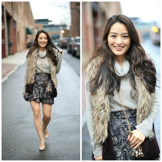 Kimberly Kong - Laila Jayde Knit, Zara Printed Skirt - My New $13 Skirt From Zara + Blog Updates