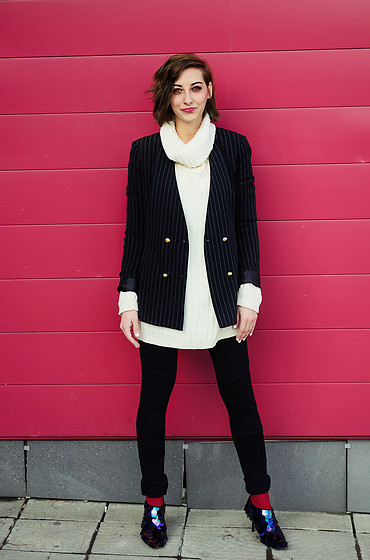 Evilish Queeny - Zara Striped Blazer, Second Hand White Turtleneck Chunky Sweater, Zara Sequin Shoes - Sequin Casual