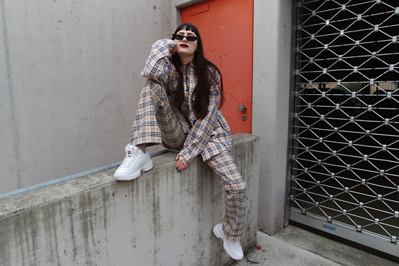 †Norelle Rheingold† - Burberry Shirt(Oversized), Burberry Pants, Fila Disruptor 2 Low White Sneaker - Dress to kill