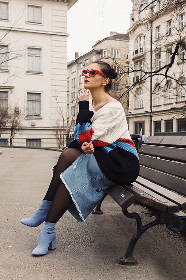 Cvetina Cekova - H&M Oversized Sweater, H&M Denim Skirt, H&M Boots - Denim is my canvas