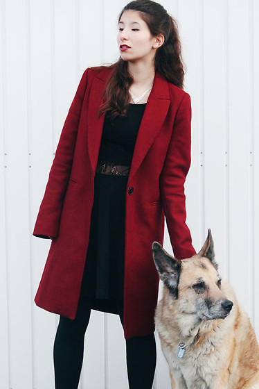 Carmen Schubert - Zara Red Coat, Tally Weijl Black Dress - Red Coat