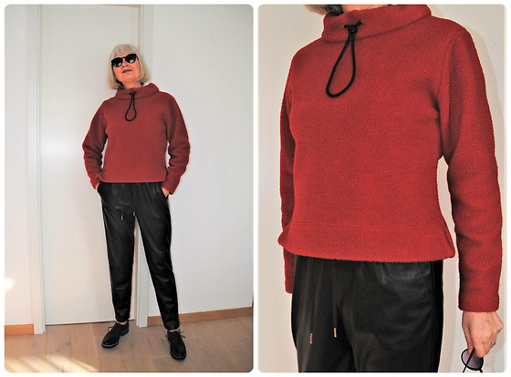 Reni E. -  - Self-made teddy top and leather pants