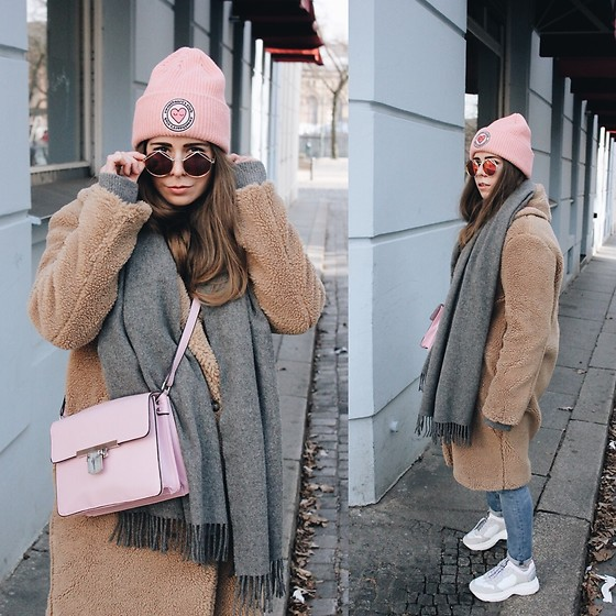 Elaine Hennings - Marco Polo Coat, Bronx Sneakers, Zara Jeans, Acne Studios Scarf, Asos Bag, H&M Hat, Le Specs Sunglasses - Teddy Coat And Sneakers