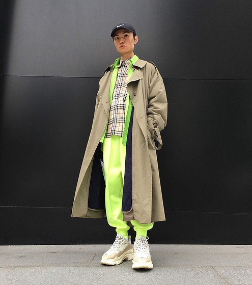 Youxu Wang -  - Fluorescent color ootd