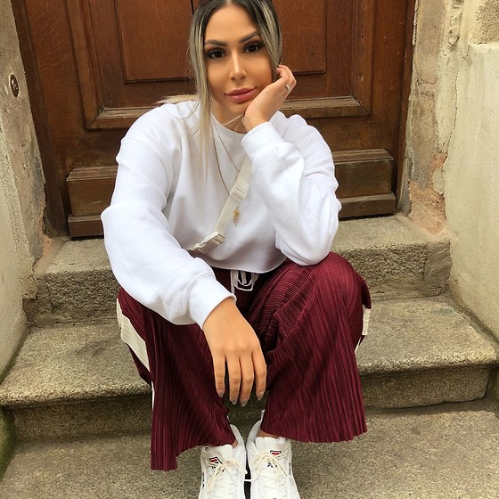 Jasmin Lamia - Fila, Urban Outfitters Pants, Plt Top - Love Sunday's