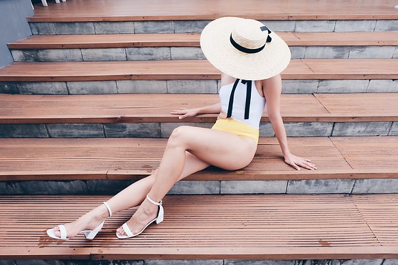Cassey Cakes -  - Big Straw Hat