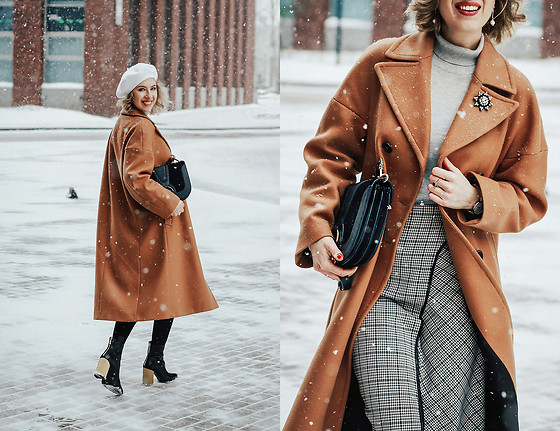 Margarita Maslova - Zara Camel Coat, See By Chloé Blue Crossbody Bag, Zara Skirt - Camel coat
