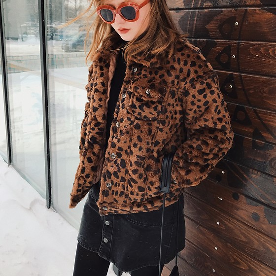 Kristina Magdalina - Zaful Sunglasses, Poppy Lovers Faux Fur Jacket - Animal Print Faux Fur Jacket