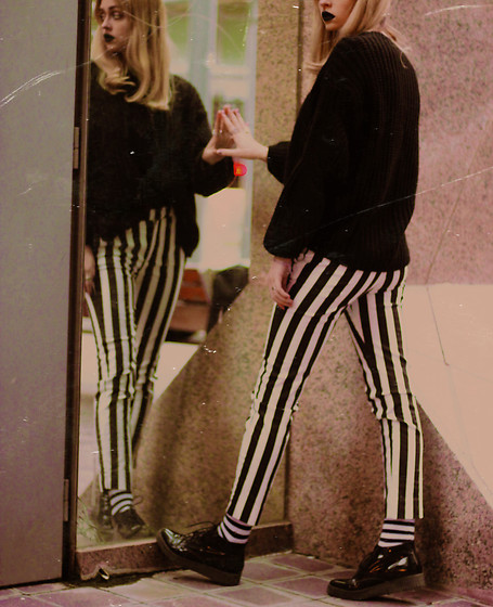 Sabina B - Mango Striped Pants, Bershka Oversized Sweater, Bell Sueno Classy Creepers - White stripes (4/4)