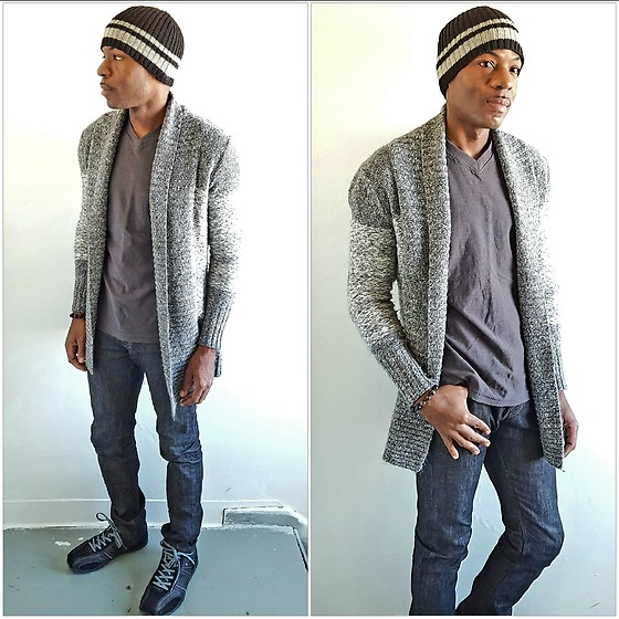 Thomas G - Truth, Substance & Common Sense V Neck, Gap Skull Cap, Kaisely Cardigan, Perry Ellis Portfolio, Levi's® 511 Strauss & Co, Contributing Writer At Virily, Facebook - Skull cap + Cardigan + Jeans