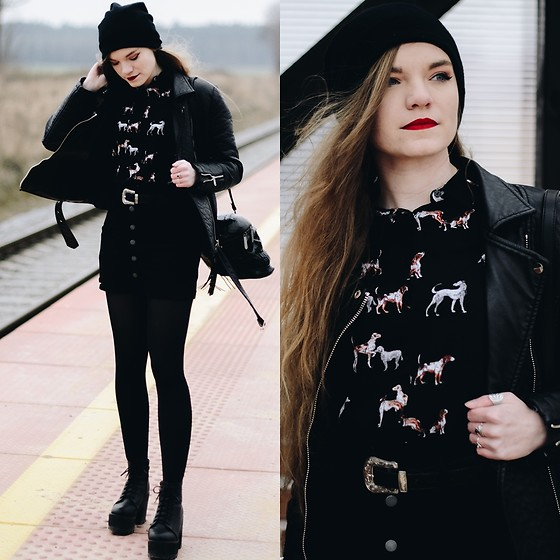 Karolina N. - Medicine Shirt, Killstar Skull Bag - ALWAYS BLACK.