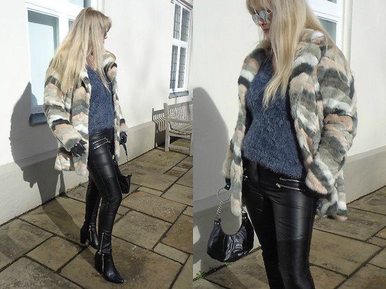 Alice Liddell -  - Faux fur and leather