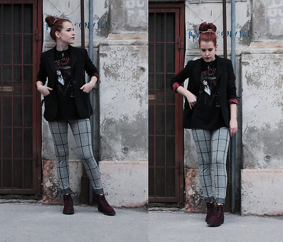 Sofi B. - Alice Cooper T Shirt, Black And Red Blazer, Tartan Leggings, H&M Red Boots - Try to be a good one