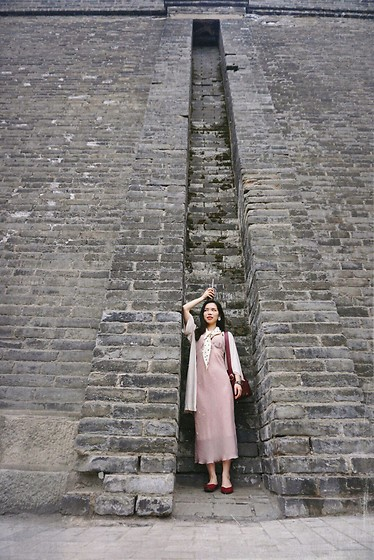 Vinas Huang -  - The city wall is huuuuge