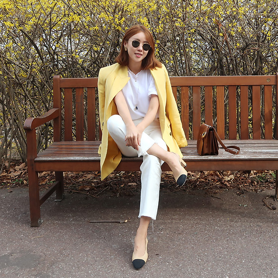 Rekay Style - Zara Yellow Blazer, Mother White Bootcut Jeans, Chanel Two Tone Slingback, Masion Margiella Shoulder Bag, Rayban Round Sunglass - The color did it all!
