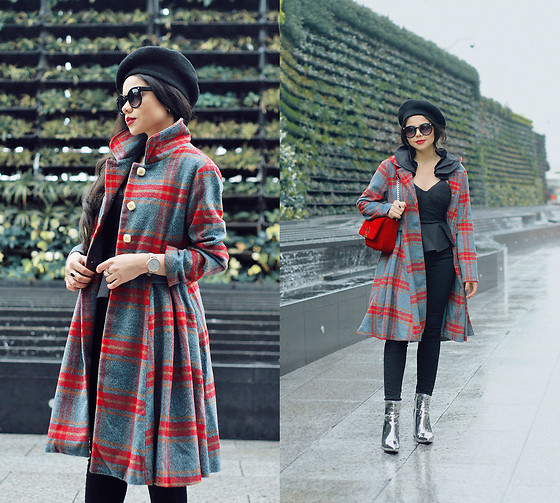 Clara Campelo - Top, Boots, Coat, Watch - Vintage style plaid coat
