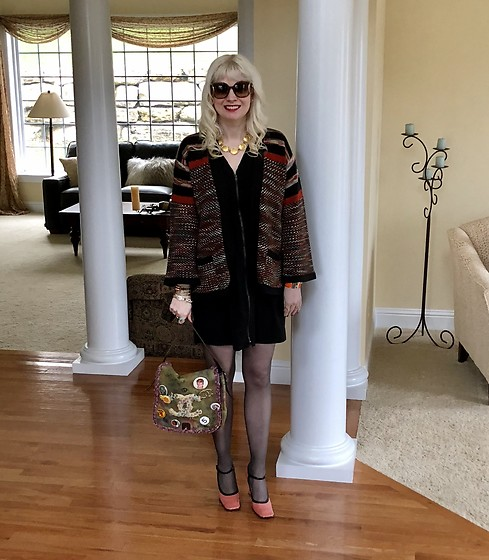 Shannon D - Vintage Sweater, Prada Heels, Givenchy Gold Necklace, Chanel Bag, Chloé Sunglasses - What I Wore On My Birthday